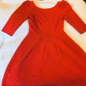 (S) orange swoop back 3/4 dress